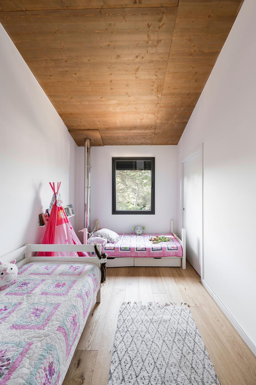 BUD Arquitectura Casas sanas Casa Roots sostenible ecoeficiente, climatización sana sostenible, interiorismo, vivir, construir, sostenible, habitacion infantil